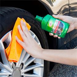 FG7810 - brillo plasticos 300ml Turtle Wax Green Line